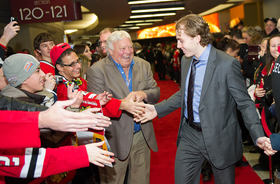 bobby hull patrick kane pre game red carpet united center
