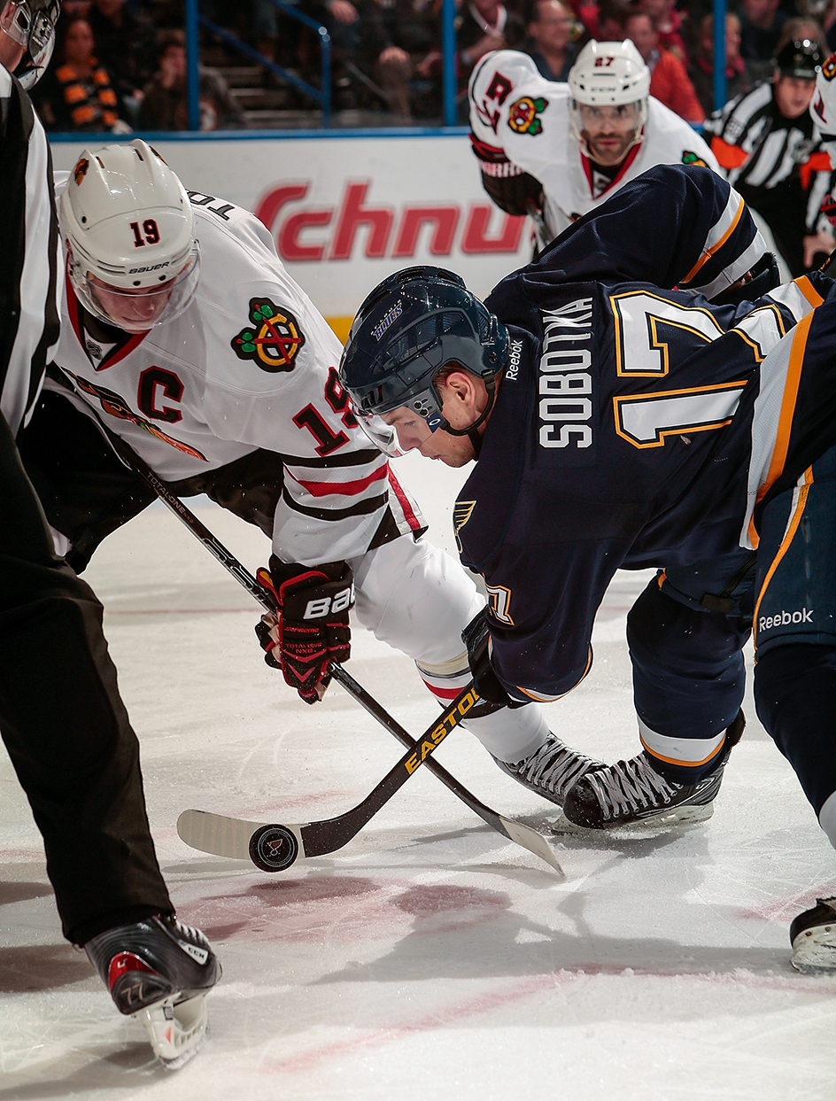 toews face-off getty