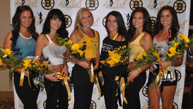 Boston Bruins Ice Girls