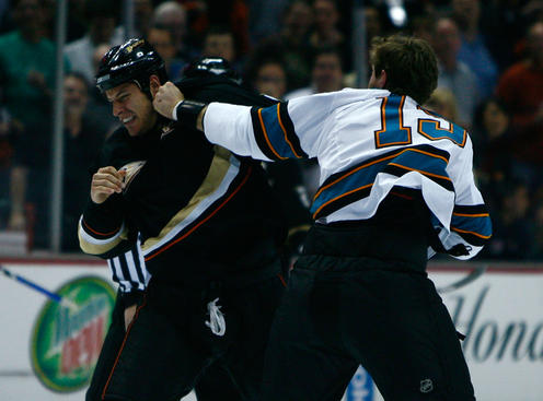ANAHEIM, CA - APRIL 27:  (R-L) Center Joe Thornton #19 of the San Jose Sharks fights with center Ryan Getzlaf #15 of the Anaheim Ducks at the beginning of Game Six of the Western Conference Quarterfinal Round of the 2009 Stanley Cup Playoffs at the Honda Center on April 27, 2009 in Anaheim, California.  (Photo by Jeff Gross/Getty Images)