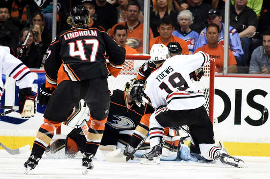 ANAHEIM, CA - MAY 30:  Jonathan Toews #19 of the Chicago Blackhawks scores in the first period against the Anaheim Ducks in Game Seven of the Western Conference Finals during the 2015 NHL Stanley Cup Playoffs  at the Honda Center on May 30, 2015 in Anaheim, California.  (Photo by Harry How/Getty Images)